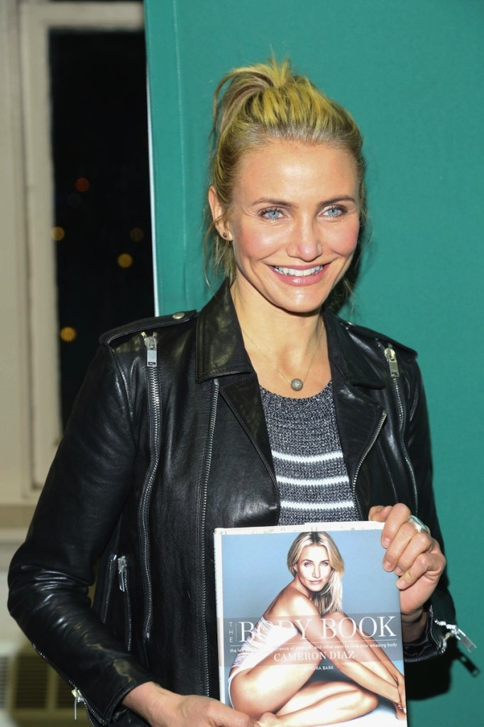 cameron-diaz-at-the-body-book-signing-in-new-york_1