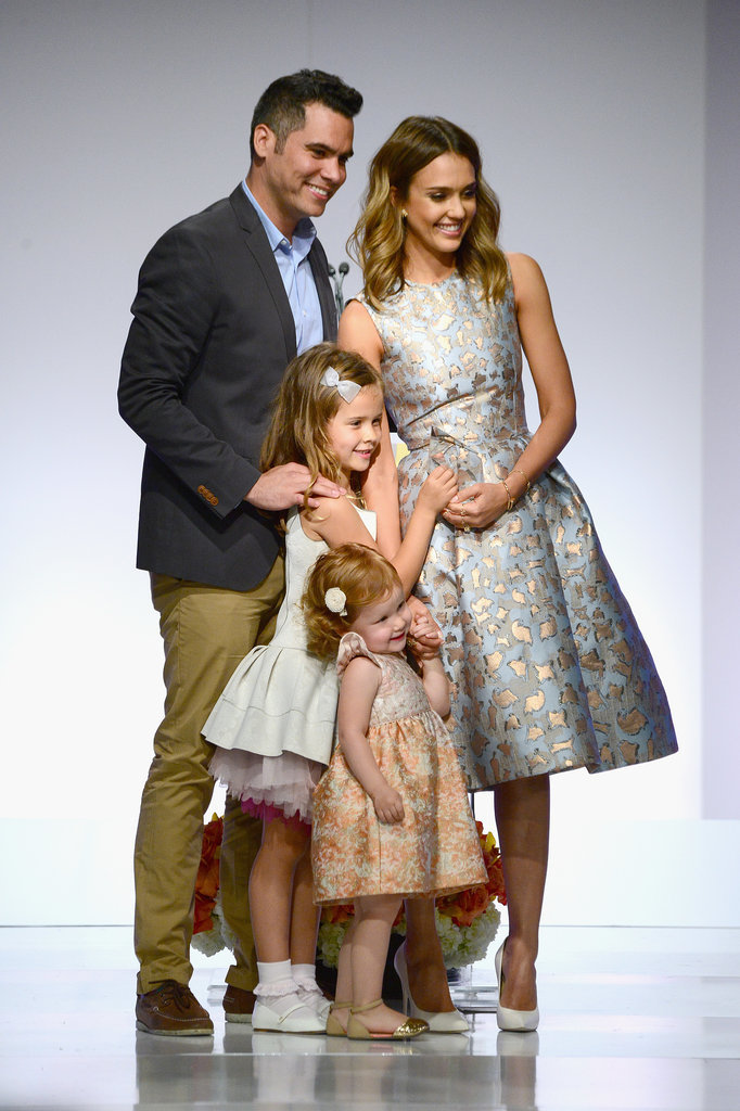Jessica-Alba-Family-Mother-Day-Luncheon-Pictures (6)