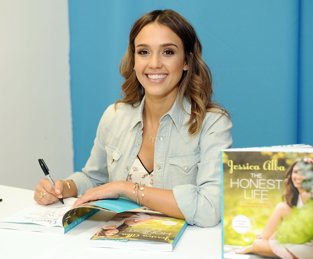 Jessica-Alba-Family-Mother-Day-Luncheon-Pictures (7)