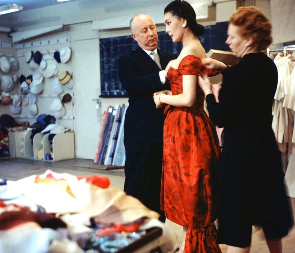 fashion-designer-christian-dior-22helps-in-the-preparation22-photo-loomis-deanc2a01957-b