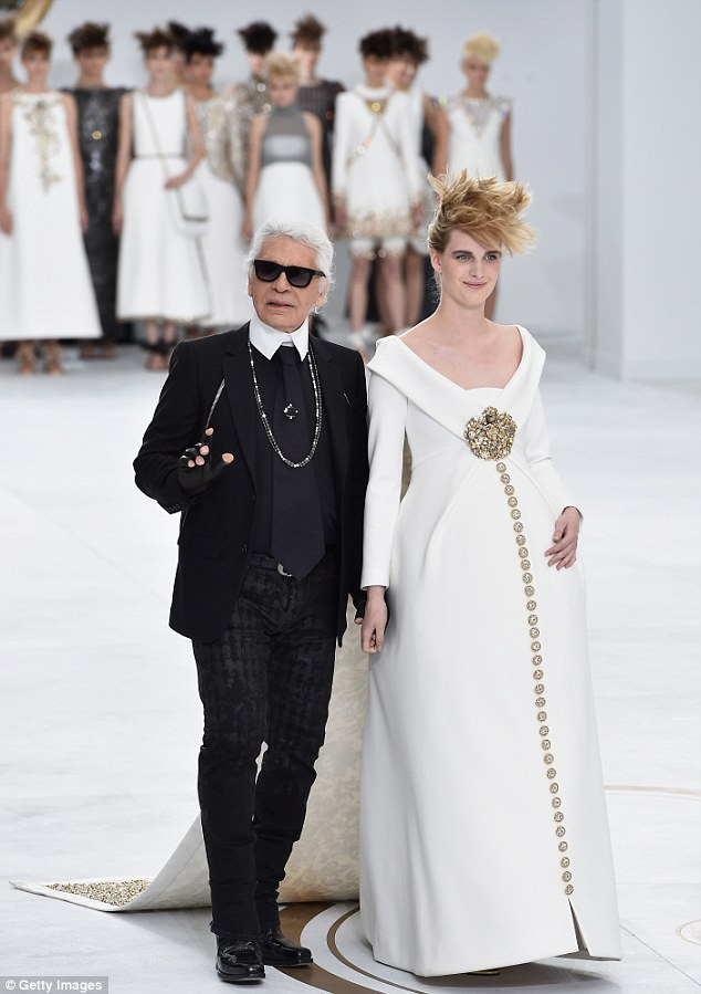 chanel-fall-couture-2014-karl-lagerfeld-pregnancy-model