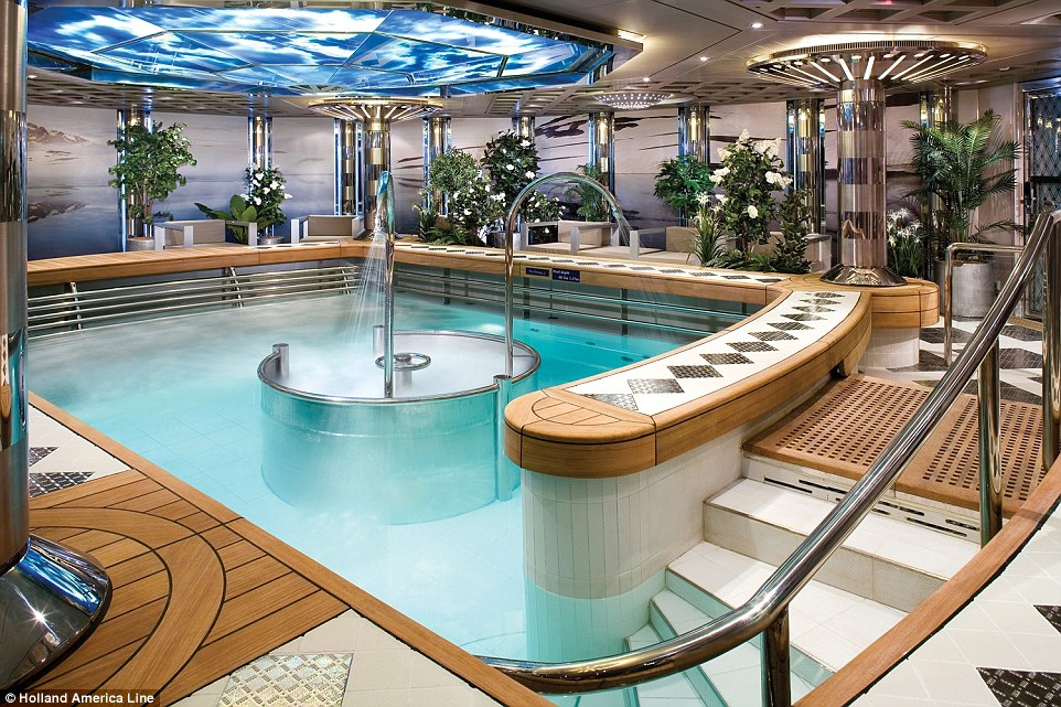 Holland-america-line-Hydrotherapy_pool