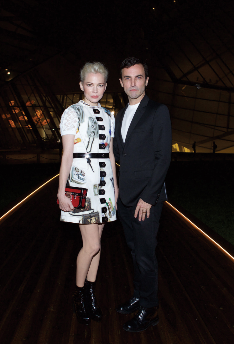 LOUIS-VUITTON-FOUNDATION-OPENING-5