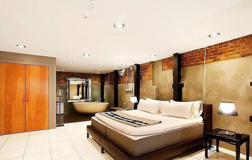 Kate-Moss-celebrity-bedrooms