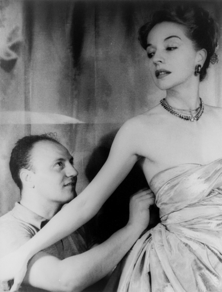 Pierre_Balmain_and_Ruth_Ford,_photographed_by_Carl_Van_Vechten,_November_9,_1947 (1)