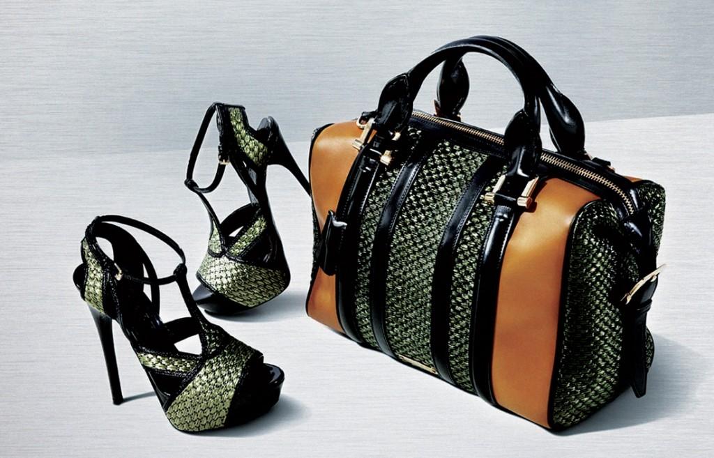 Các mẫu giày, túi sang trọng như thế này của Burberry cũng luôn là đối tượng của những kẻ làm hàng nhái