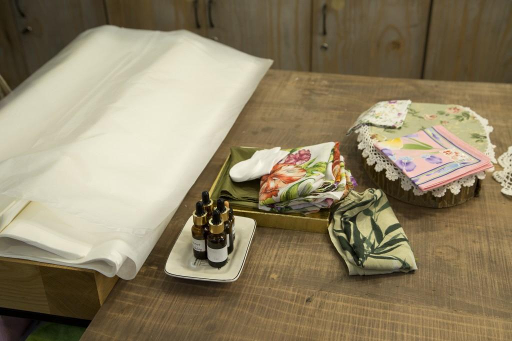 Các vật liệu chuẩn bị ướp khăn