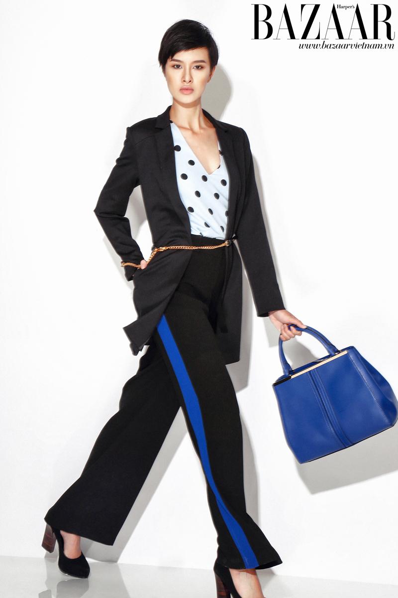 Áo chấm bi và áo khoác blazer dáng dài, Oasis. Quần tây kẻ sọc, Karen Millen. Túi tote và giày, Charles & Keith
