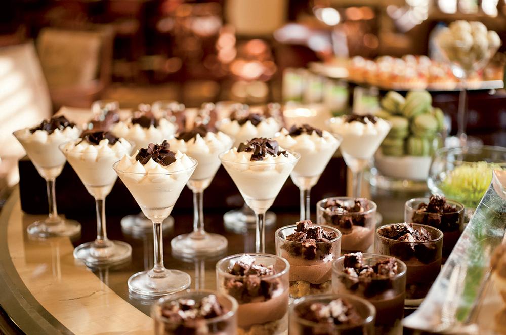 Tiệc trà chiều không thể thiếu các món bánh ngọt