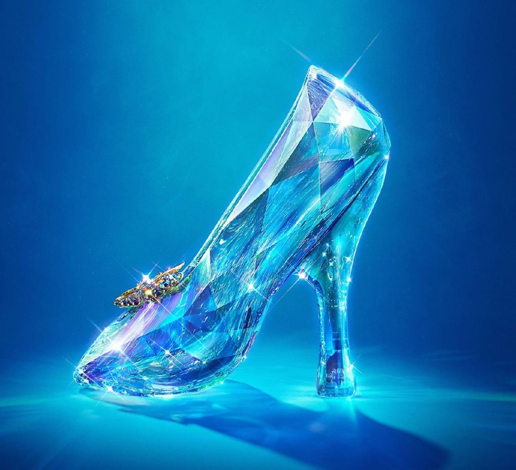 Cinderella-shoes-movie-2015