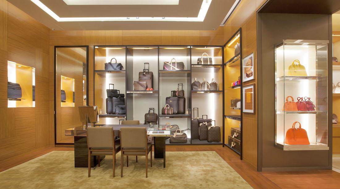 Cuộc chiến chống hàng giả là một yếu tố lâu dài trong chiến lược phát triển bền vững của Louis Vuitton trên toàn cầu.