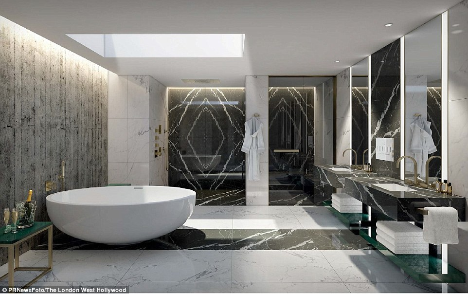 Bạn khó mà cưỡng lại sức hấp dẫn của phòng tắm cực rộng và sang trọng với bồn tắm hình tròn