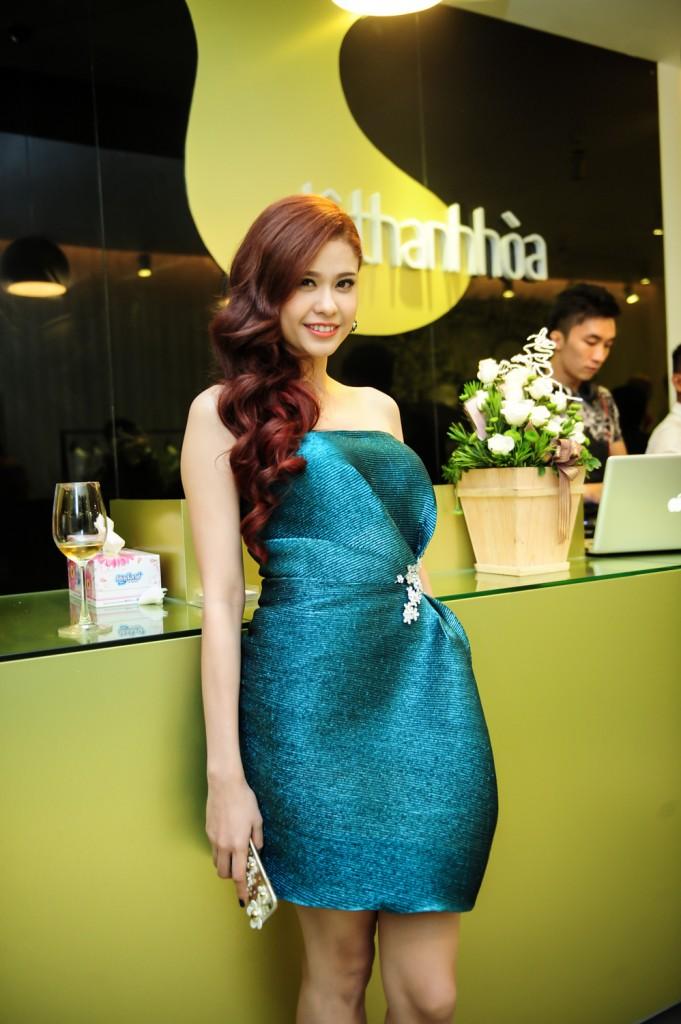 DANG-THU-THAO-LE-THANH-HOA-29