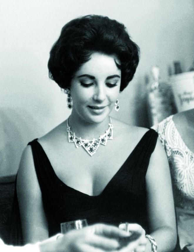 Elizabeth Taylor là ngôi sao gắn liền với trang sức Cartier