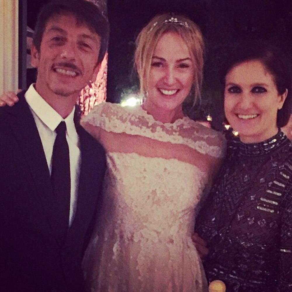 Cô dâu Frida và hai nhà thiết kế của Valentino