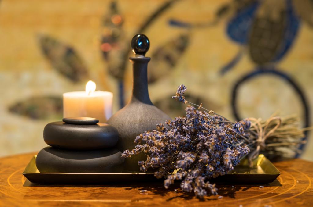 Các phương pháp trị liệu tại The Spa được sử dụng hoàn toàn bằng mỹ phẩm thiên nhiên cao cấp.