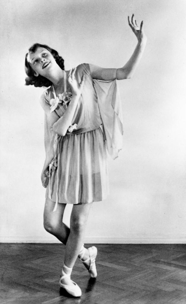 Biểu diễn ballet năm 1942