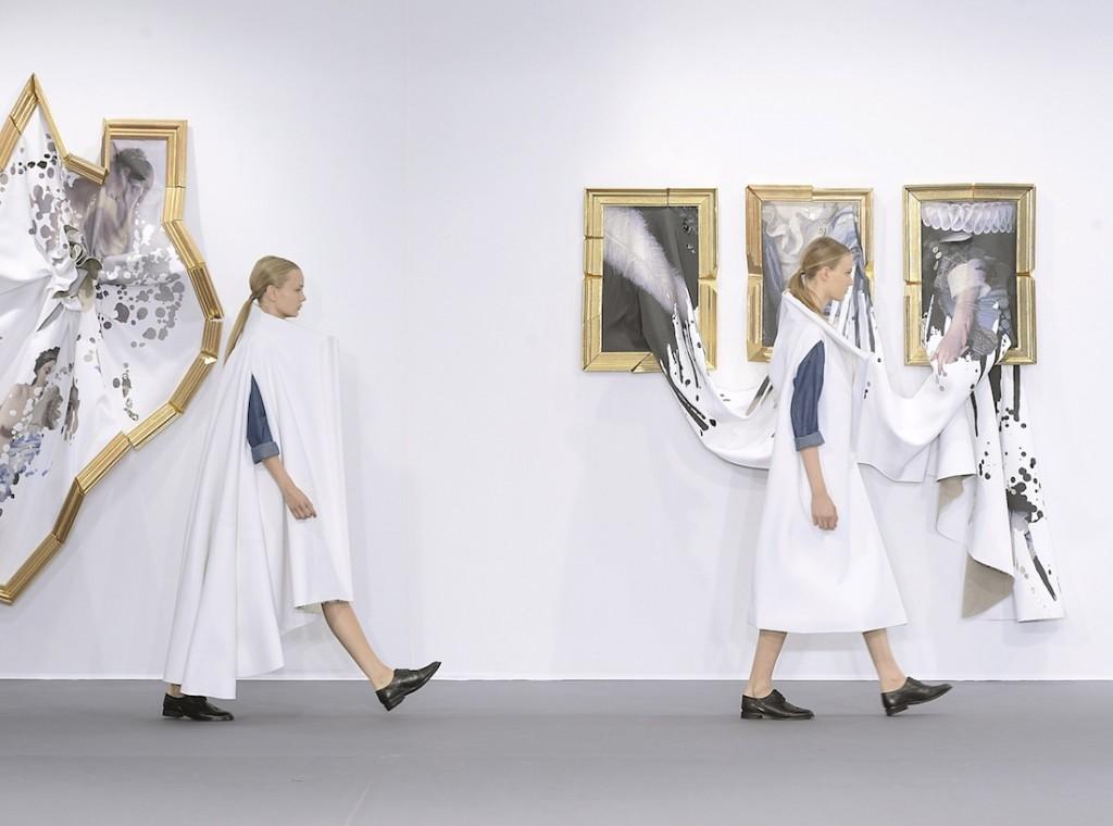 Viktor & Rolf - Couture Fall 2015 Runway - Paris Haute Couture Fashion Week