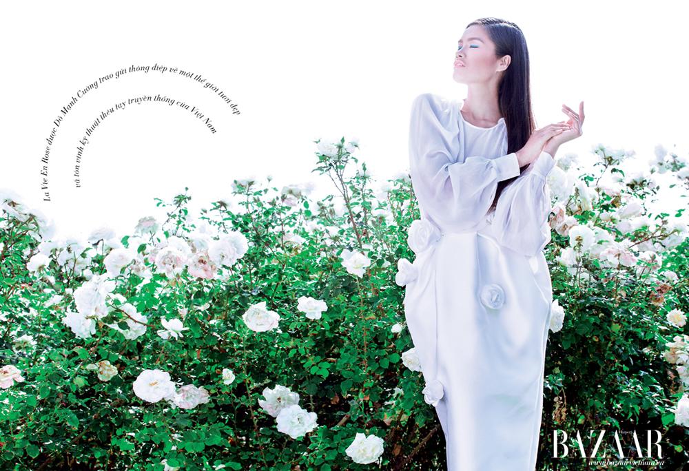 Đầm với phần trên dạng áo sơ-mi và thân dưới kết hoa hồng