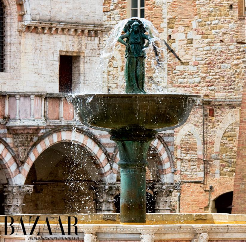 Đài phun nước ở quảng trường thành phố Perugia