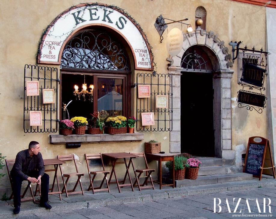 Có vô vàn những quán cà-phê nhỏ ấm cúng và xinh xắn