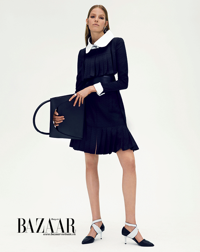 BAZAAR-FASHION-SPREAD-10-15-Trang_den4