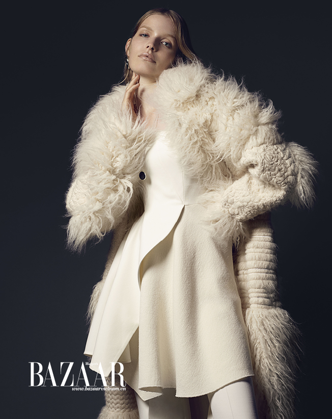 BAZAAR-FASHION-SPREAD-10-15-Trang_den6