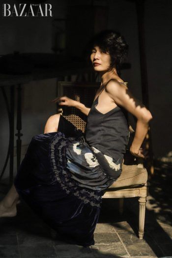 Li Lam – Người đàn bà nhung lụa