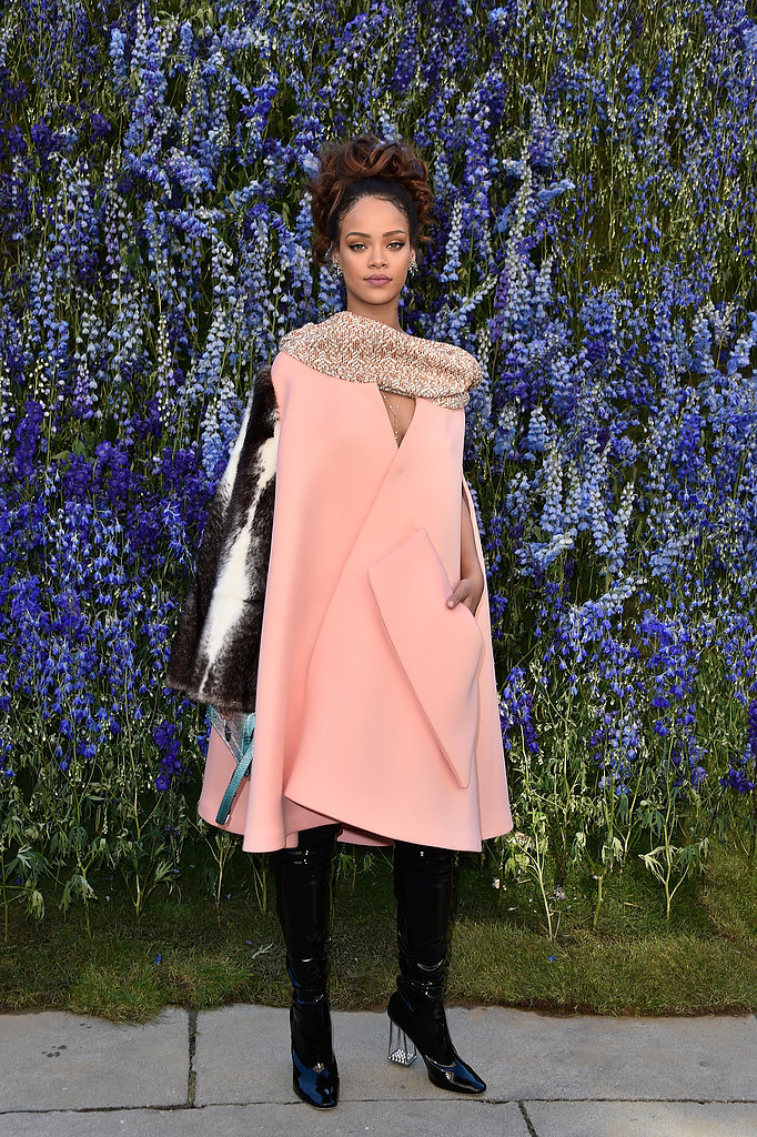 Rihanna-Stood-Out-From-Crowd-Pink-Cape