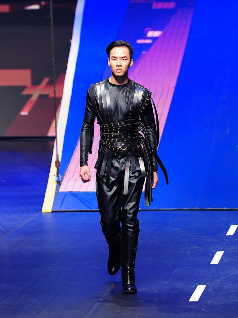 Trang phuc cua NTK Hoang Minh Ha  (9)