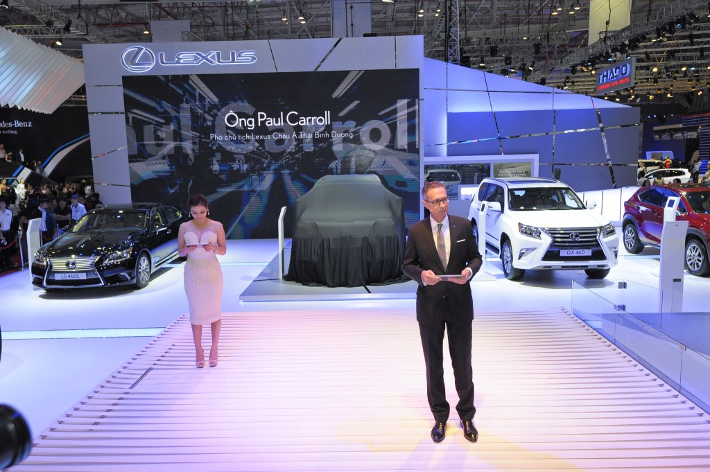 Ong Paul Carroll - Pho Chu Tich Lexus CA-TBD phat bieu (1)