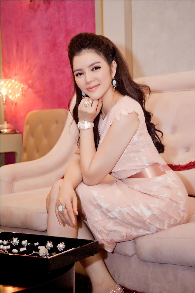 LY-NHA-KY-MOI-DIEM-MY-9X-DEN-XEM-KIM-CUONG_8645