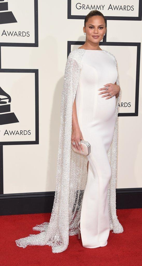 Chrissy-Teigen-Grammy-bestdressed-2016