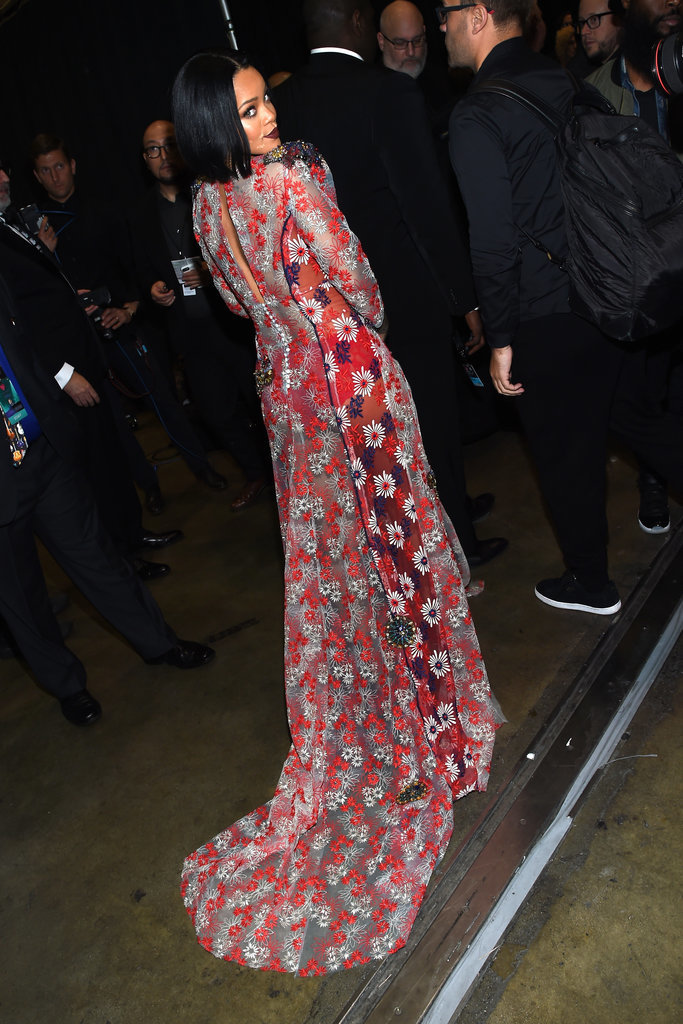 Rihanna-Wears-Marc-Jacobs-MusiCares-Person-Year (2)