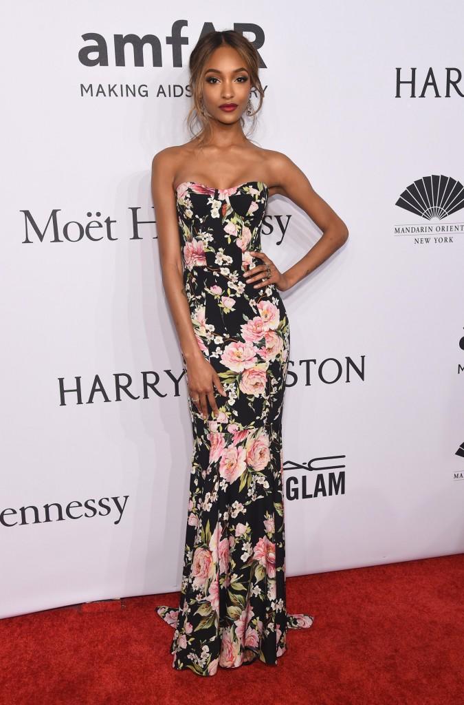 Jourdan Dunn mặc đầm Dolce & Gabbana