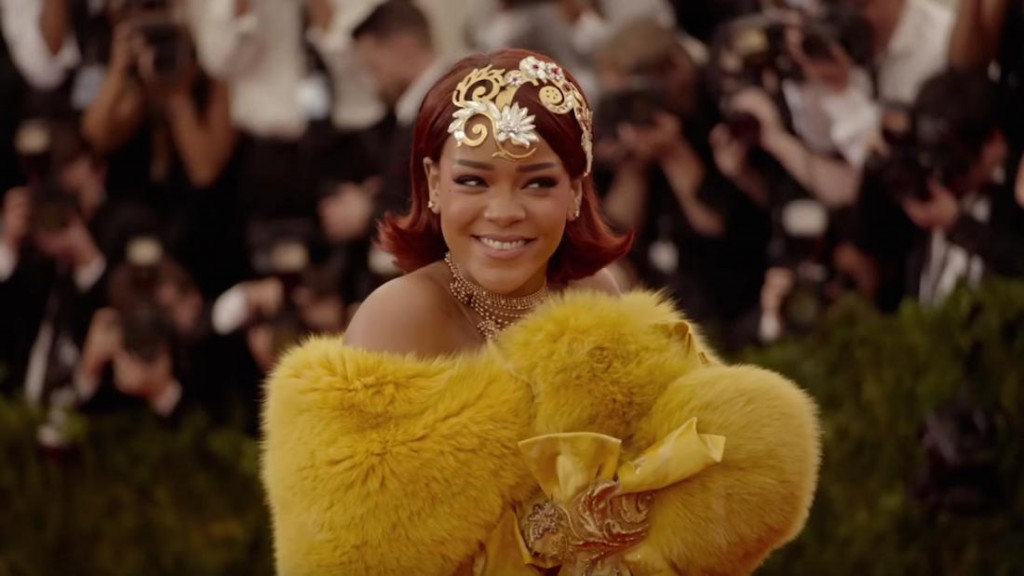 Rhianna trong trang phục dự Met Gala năm ngoái