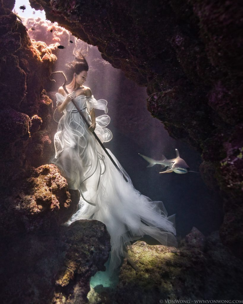 i-tied-down-a-model-underwater-with-sharks-swimming-around-her-8__880
