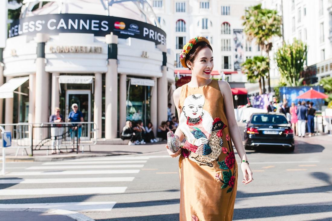 Xinh tươi và rực rỡ trên đường phố Cannes