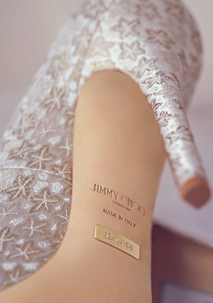 Khảm ngày cưới lên đế giày