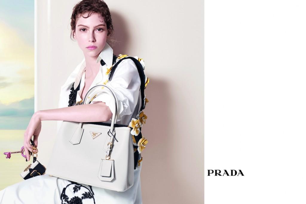 Hình ảnh trong chiến dịch Charmed của Prada