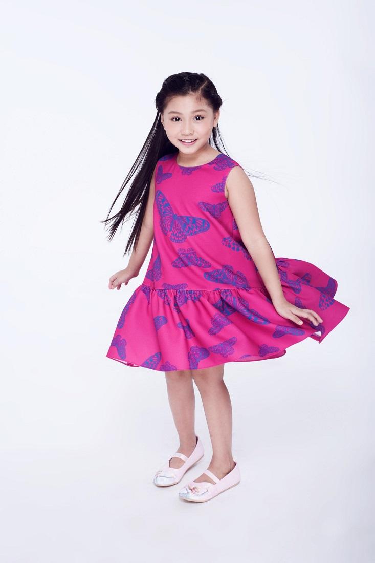 Nụ cười tươi cùng ánh mắt trong veo hồn nhiên của bé Khánh Ngọc