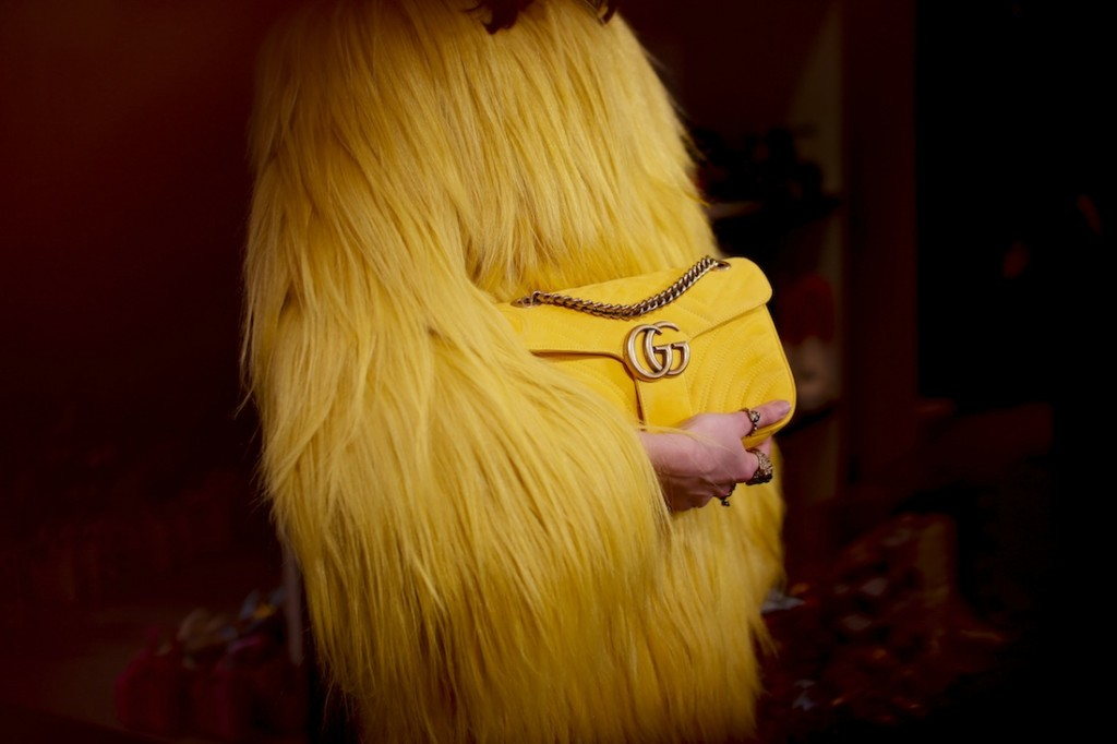 Màu vàng tươi tắn