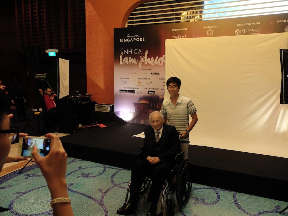 Nhạc sỹ Lam Phương xuất hiện tại show diễn những bản tình ca do ông sáng tác