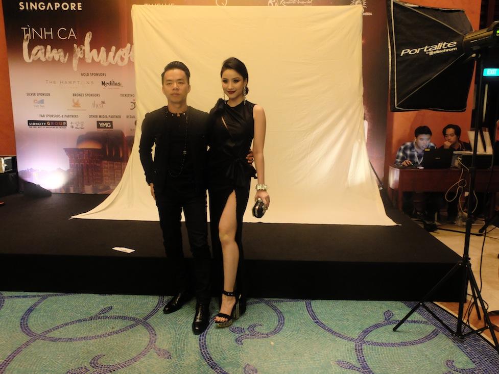 Hot girl Lê Như Thủy (Meo Meo) gợi cảm trong chiếc đầm của Versace