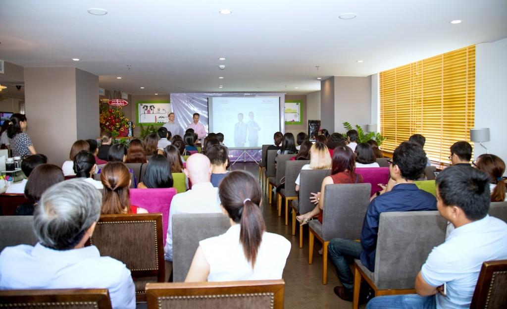 Hình ảnh tại buổi họp báo ra mắt Top Mốt