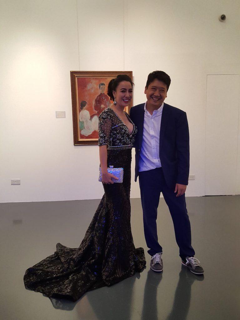 Doanh nhân Đường Thu Hương trong trang phục của stylist Đỗ Long
