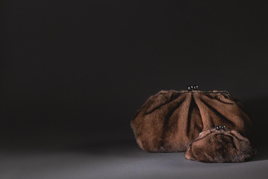 Cỡ lớn và cỡ nhỏ của túi xách