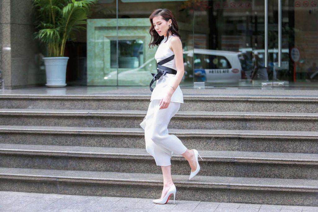 Hoa hậu Kỳ Duyên xuất hiện ở Sài Gòn với phong cách năng động