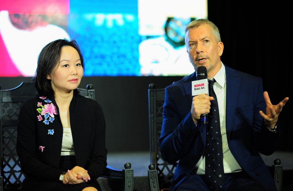Bà Angel Yang, phó chủ tịch công ty Kohler và ông Peter Oesch, giám đốc truyền thông tiếp thị công ty Kohler