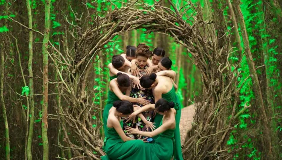 Những hình ảnh gây ấn tượng mạnh trong MV Bánh Trôi Nước